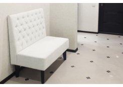 Частный интерьер, диван в прихожую