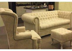 Частный интерьер, г. Москва, диван Честерфилд и каминное кресло